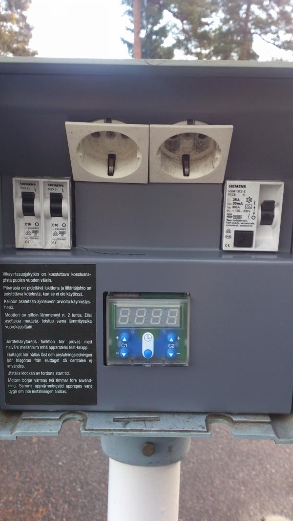 Auton lämmitystolppa digitaalinen