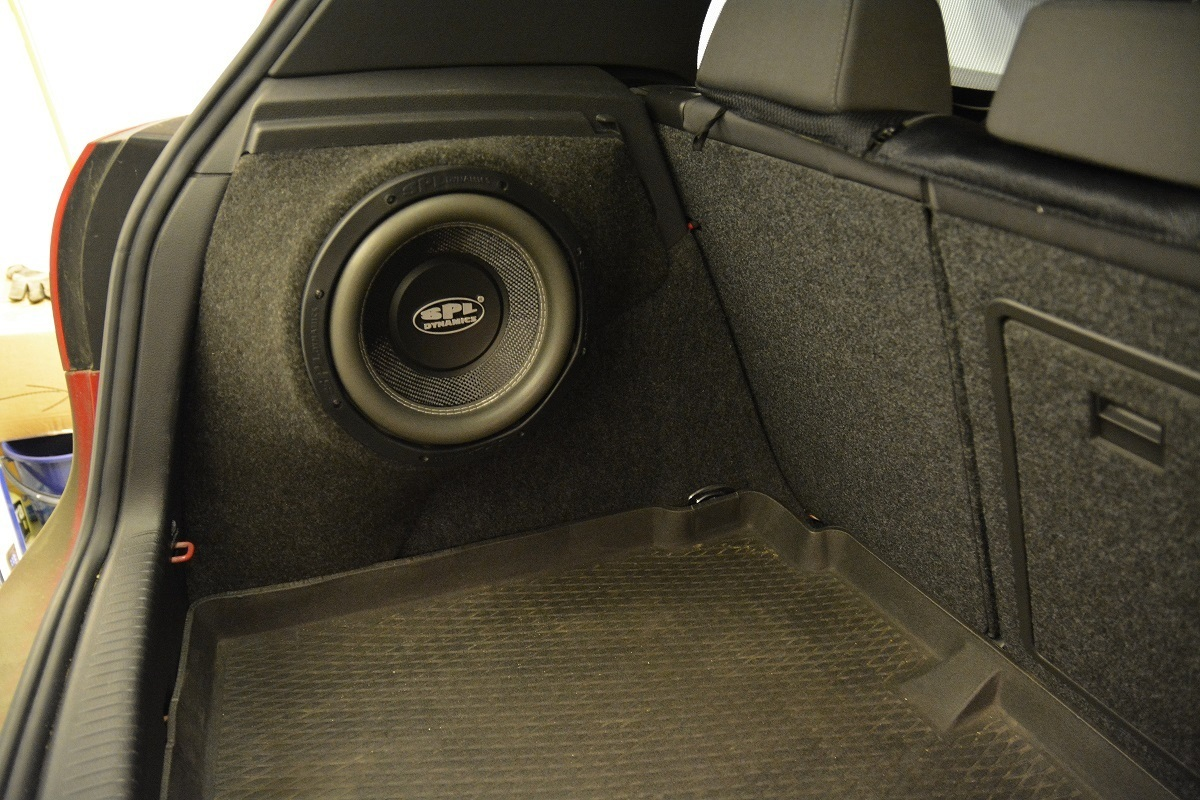 golf mk5 stealth subbox from ebay sat nav and car audio. Black Bedroom Furniture Sets. Home Design Ideas